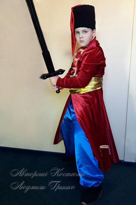 фото маскарадного костюма стрельца с мечом