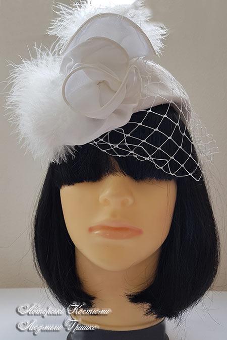 шляпка с вуалью белая