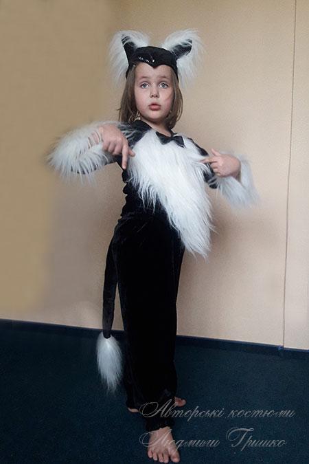 костюм черной кошки с белым мехом