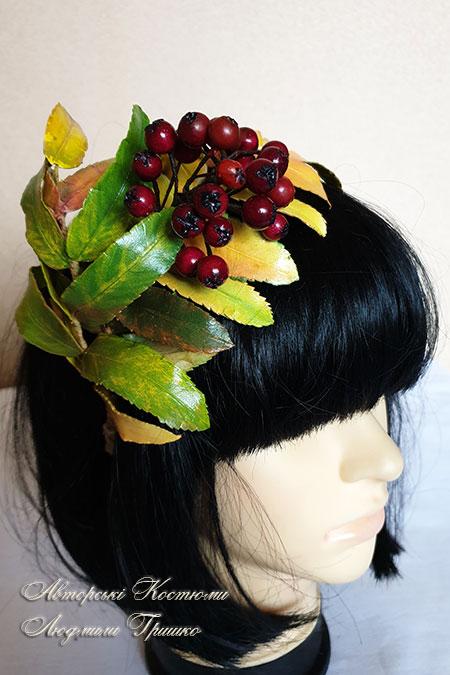 обруч с ягодами рябины - вид сбоку