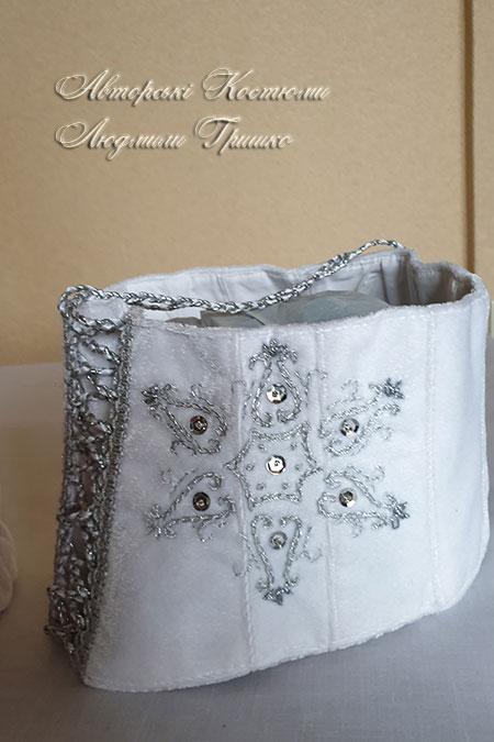 карнавальный корсет снежинка (ручная вышивка бисером и серебристой нитью)
